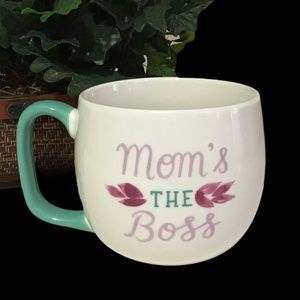 Threshold 16oz mug Mom's the boss
